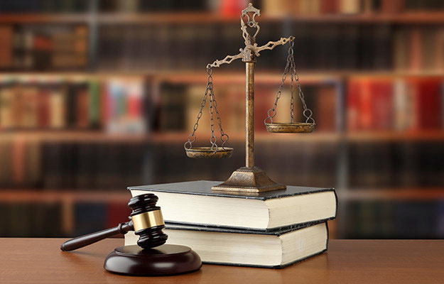 交通事故で刑事事件となったときの流れ|起訴される基準とは?