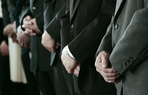 【参列の必要性】死亡事故の加害者は、葬儀に行くべき?香典は?