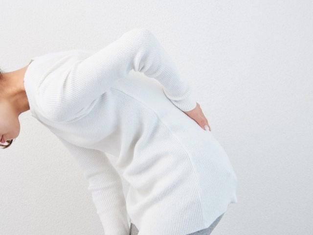 交通事故による腰椎捻挫の後遺症は腰痛!?|治療や回復に向けたリハビリの大切なポイント