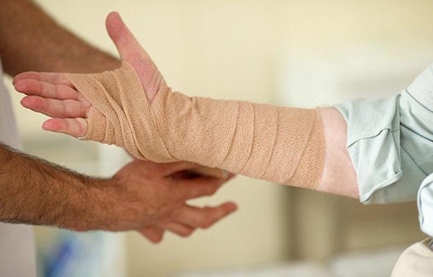 手首骨折の治療費はいくら?