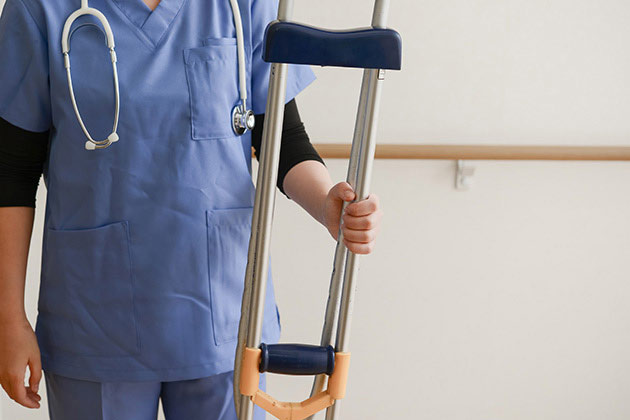 ②交通事故のむちうちは整形外科と整骨院どちらで治療?